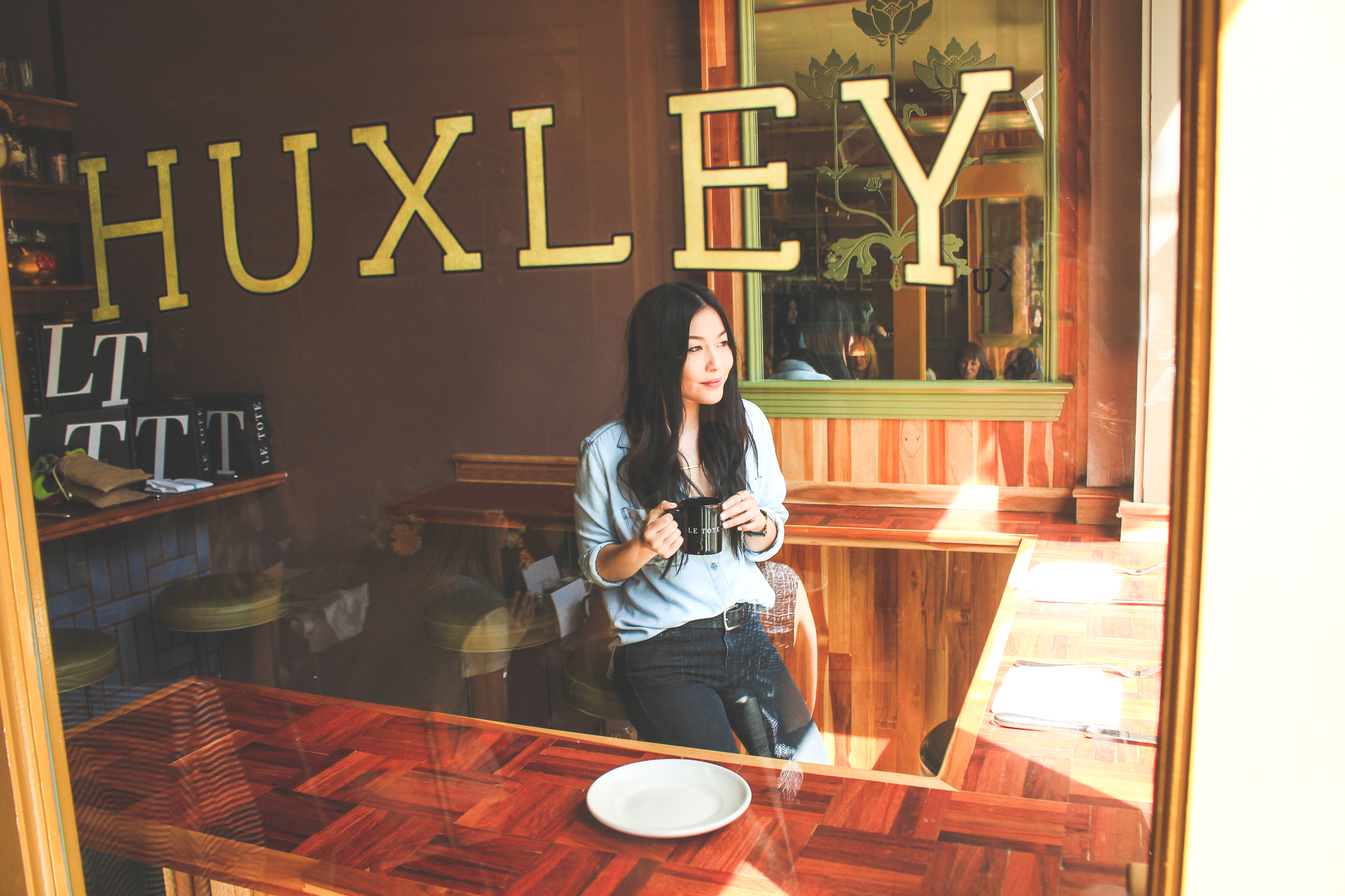 We brunched at Huxley, one of San Francisco's hottest new restaurants. Lindsay Louie brings Spring in with a bang in a chambray shirt!